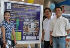 ORGANIZERS OF THE PHOTO EXHIBIT POSE FOR POSTERITY (L-R) Stazy Vencer, Edwin Lariza and Ted Aldwin Ong.